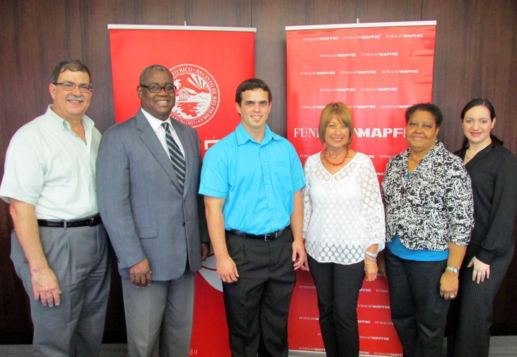 Representantes de la UPR y de la Fundación MAPFRE.