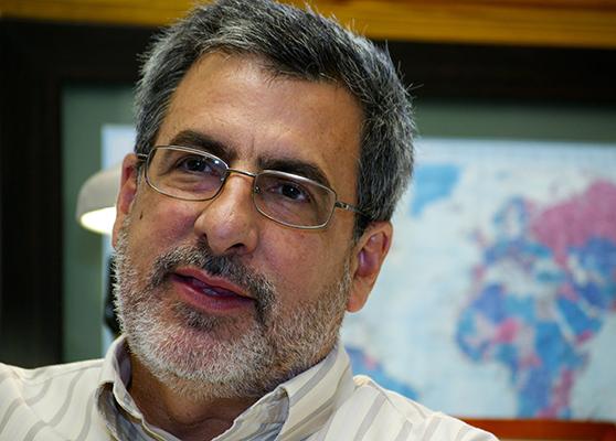 Dr. Carlos Cabrera