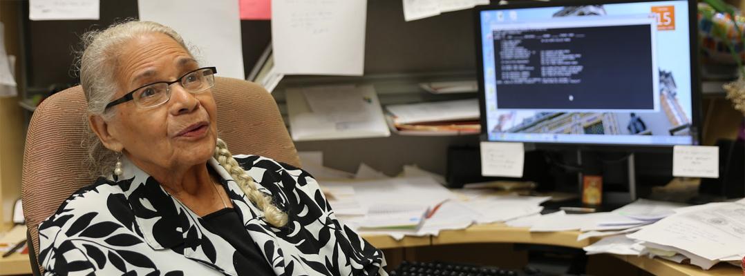 Aracelia Batista, motor inagotable de la Oficina del Registrador