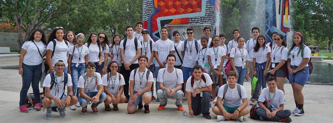 Jóvenes se aventuran en el Diseño y Arquitectura durante el verano