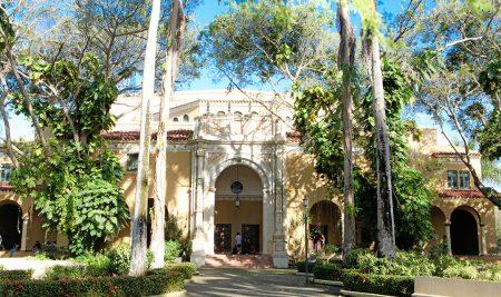 El Teatro UPR invita a ciclo de tertulias culturales en sus redes