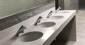 baños escuela de derecho
