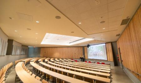 Inauguran moderno auditorio en la Facultad de Ciencias Naturales