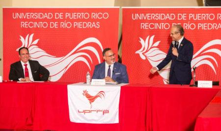El Secretario de Educación de Estados Unidos participa de mesa redonda en la UPR